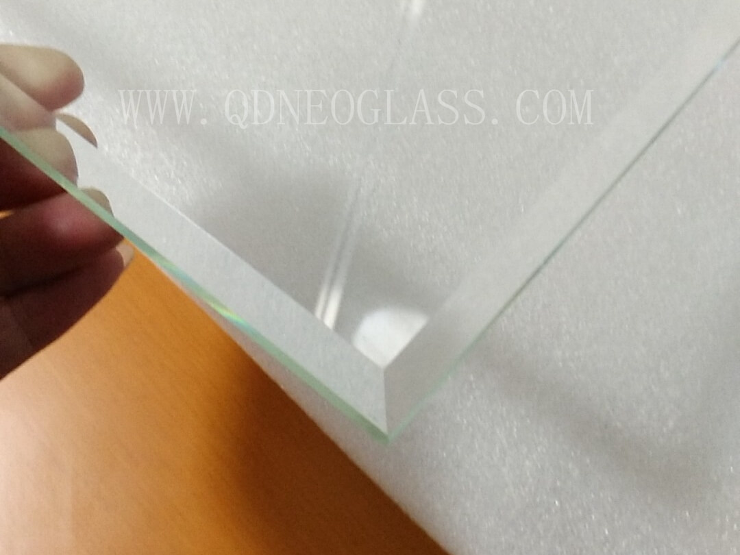 Tempered Ultra Clear Glass, Beveled Edge 10mm with bottom Edge Flat Polished edge 5mm _副本